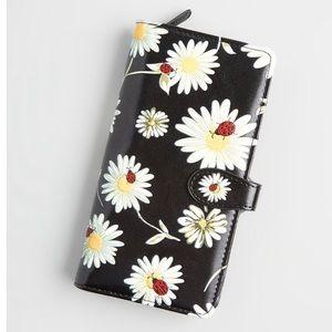 NWT Shagwear Lazy Daisy Bugs Wallet 🐞